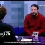 Дмитрий Ревякин водит дружбу с уличными котами